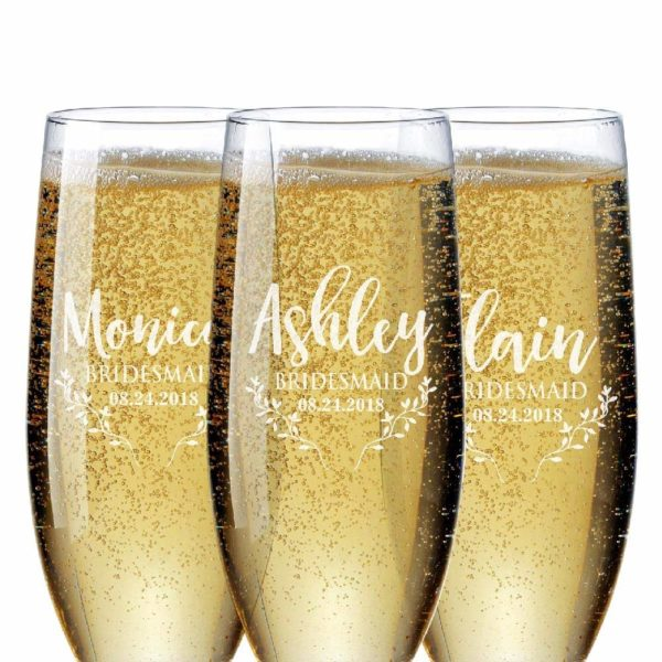 Personalized Champagne Glasses by Personalized Favors
