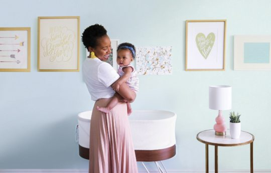 Sleep-Deprived Parents Will Rest Easy With This High-Tech Bassinet