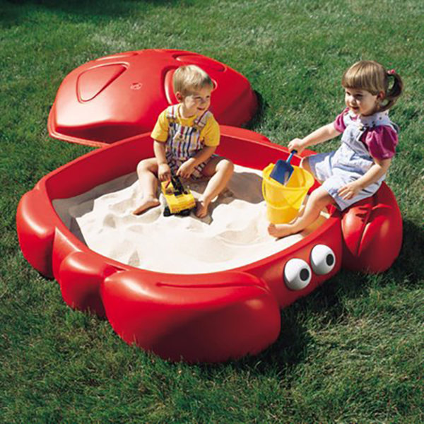 Step2 Crabbie Sandbox Kids Plastic Outdoor Sandbox with Cover