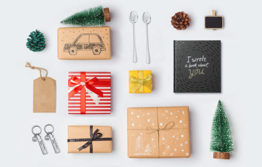 11 Meaningful Christmas Gift Ideas When Buying on a Budget