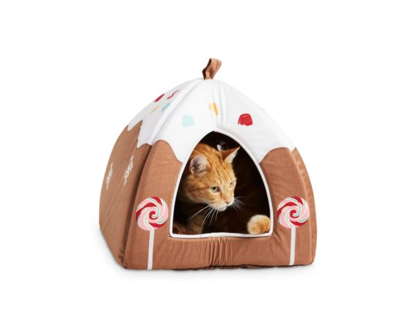 Holiday Tails Dream Gingerbread House Hooded Cat Bed