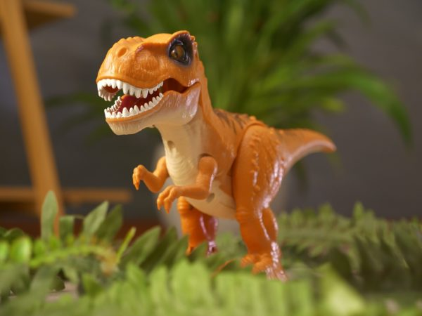 Robo Alive Attacking T-Rex Dinosaur Battery-Powered Robotic Toy