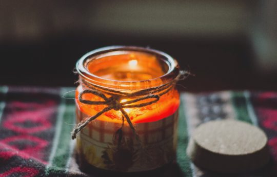 Here are Our Favorite (and Not So Favorite) Fall Candles After Hands-On Testing