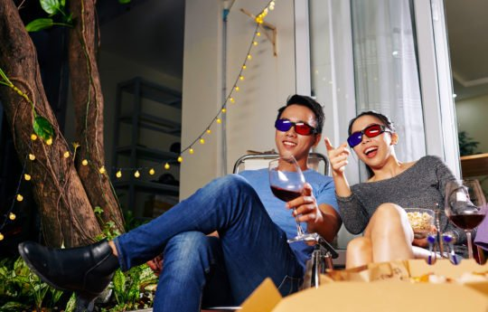 15 Essentials for Your Outdoor Home Theater