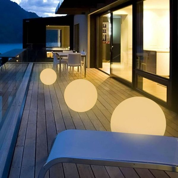 Ball Plug-In LED Outdoor Floating Light