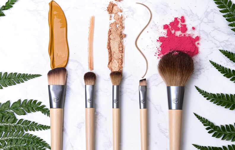 9 Best Makeup Brushes You Can Buy on Amazon, According to Reviews